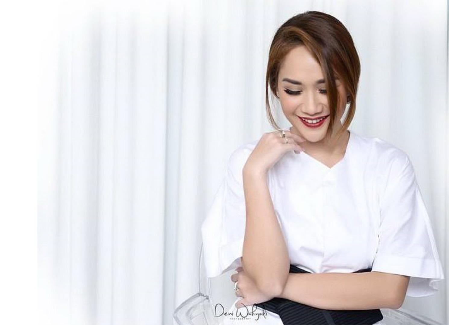 Download Lagu Bunga Citra Lestari (BCL) - Pernah Muda Mp3