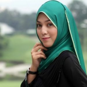 Shila Amzah Berhijab