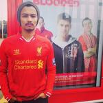 Faizal Tahir Dengan Jersey Liverpool