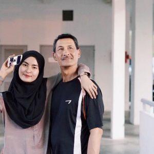 Gambar Wani Hasrita Dengan Ayahnya