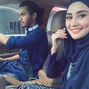 Gambar Wawa Zainal Dan Aeril Zafrel Dalam Kereta