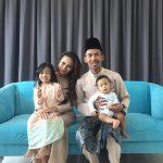 Gambar Siti Sarah Bersama Anak Anak Dan Suami, Bahagia