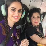 Lana Rose Dengan Ibunya Memandu Helicopter