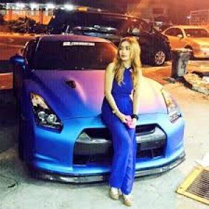 Fara Medoza Dengan Kereta Skyline GTR