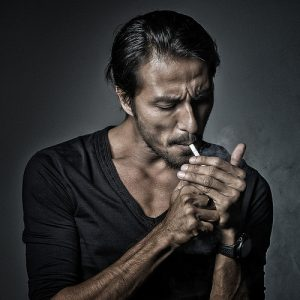 Gambar Terbaik Bront Palarae Hisap Rokok