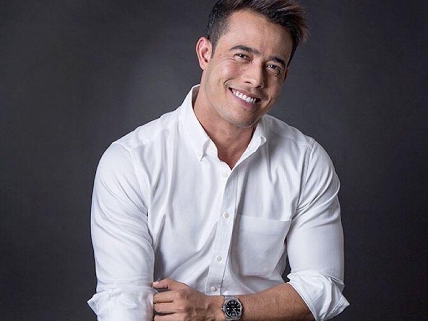 Gambar Zul Ariffin Senyum