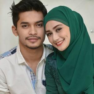 Pasangan Wawa Zainal Dan Aeril Zafrel
