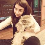 Rita Rudaini Dengan Kucing Kesayangan