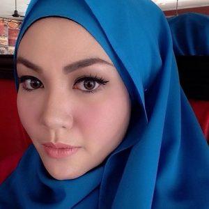 Anis Al Idrus Artis Malaysia Feat