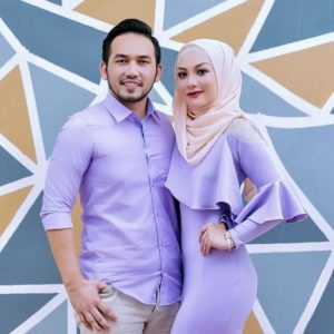 Anis Al Idrus Bersama Suami Aiman Rafzan