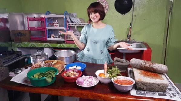 Adriana Adnan Di Dapur