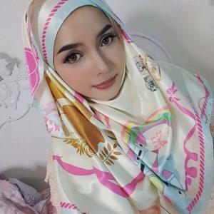 Gambar Joy Revfa Isteri Hafiz Hamidun