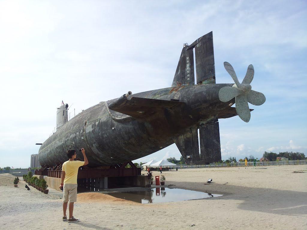 Kapal Selam Pantai Klebang