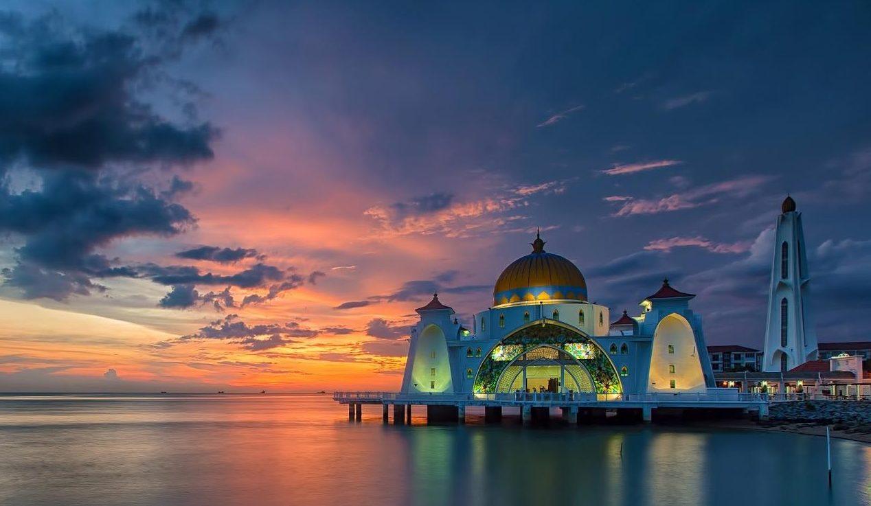 Masjid Selat Melaka Sunset