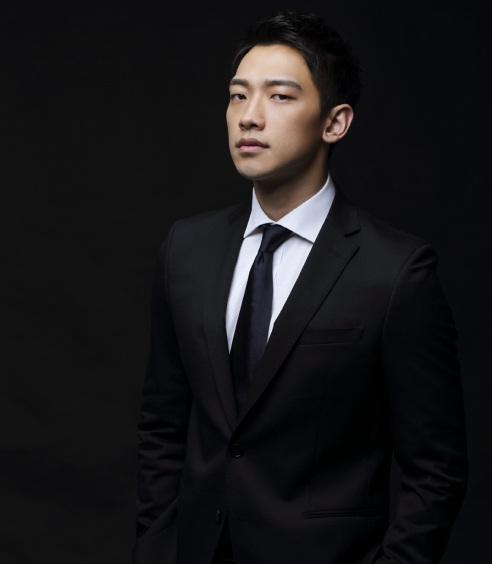 Jung Ji Hoon Black Suit