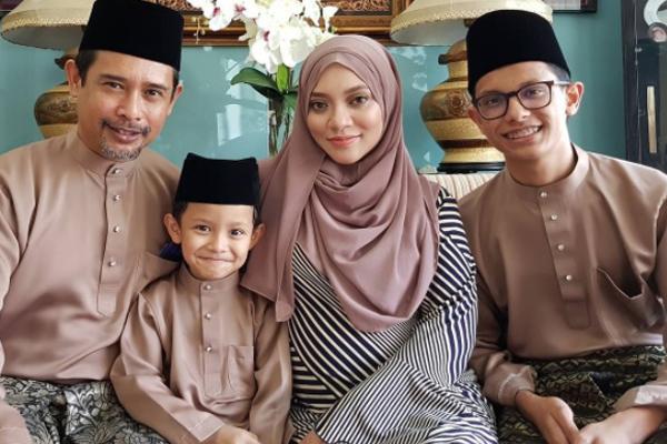 Zamarul Hisyam Dan Keluarga Raya