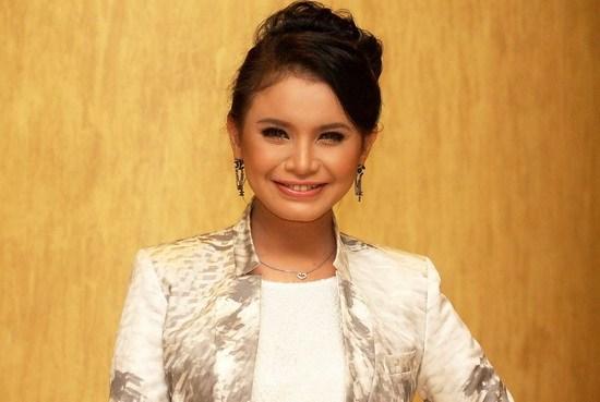 Datuk Rossa Penyanyi Indonesia