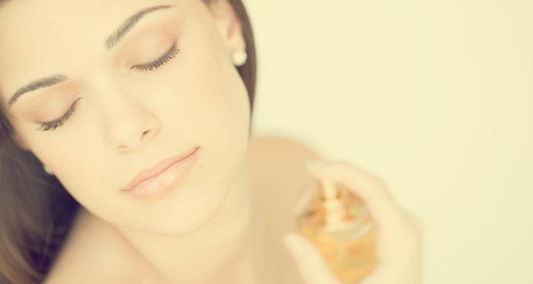 Tips Memakai Minyak Wangi Supaya Bau Kekal Tahan Sepanjang Hari