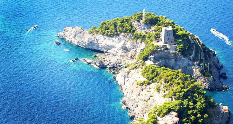 Pulau Paling Unik Di Dunia
