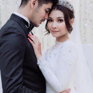 Gambar Kahwin Nina Nadira Dan Suami