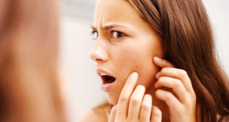 Wanita, Hindari 5 Tabiat Ini Jika Tidak Mahu Kulit Wajah Anda Bermasalah!