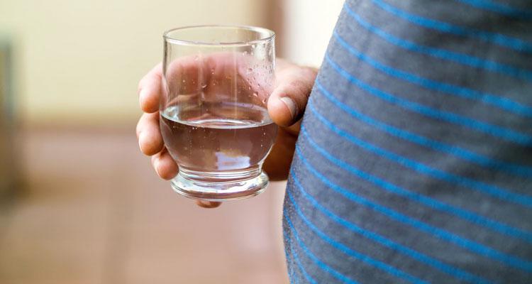 Cara Makan & Minum Untuk Mendapatkan Perut Yang Rata, Tidak Buncit!