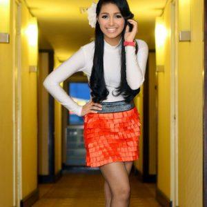 Wanna Ali Pakai Skirt Pendek