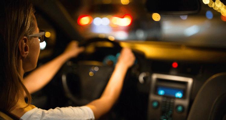 Cara Mengatasi Silau Malam Semasa Memandu Kereta