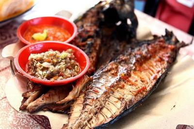 8 Ikan Tongkol Bakar