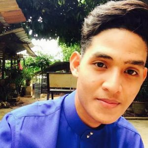 Yazid Izaham Baju Melayu