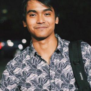 Ariff Bahran Senyum