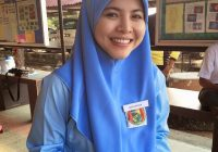 Ardell Aryana Pakai Uniform Sekolah