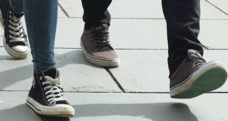 Permalink to Cara Mengenali Karakter Seseorang Melalui Gaya Berjalan!