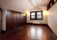 Kemasan lantai menggunakan laminated floor