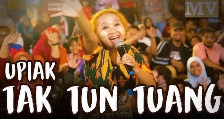 Permalink to Upiak Isil, Penyanyi Asal Lagu 'Tak Tun Tuang'