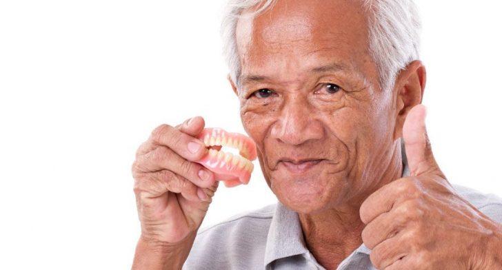 Permalink to Kembalikan Keyakinan Diri Dengan Gigi Palsu