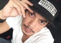Gambar Pelakon Iqram Dinzly Pakai Topi