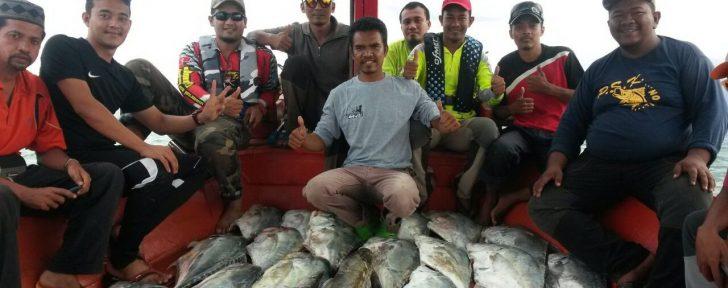 Permalink to Hasil Tangkapan Lumayan, Pemancing Tersenyum Lebar Bersama Bot Pancing 38, Kelantan