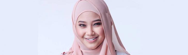 Permalink to Biodata Wan Azlyn, Penyanyi Baru Dengan Lagu Takkan Ada OST Iman Mudaku Romantik