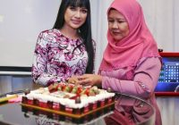 Zara Zya Sambut Hari Jadi Dengan Ibunya
