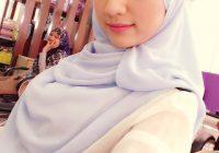 Zara Zya Sedang Selfie Comel Bertudung