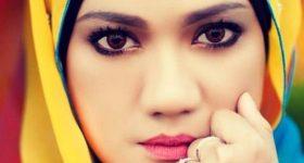 Biodata Hazlin Hussain Pengacara TV3 & 999
