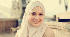 Pengasas Naelofar Hijab, Jenama Tudung Popular Di Malaysia